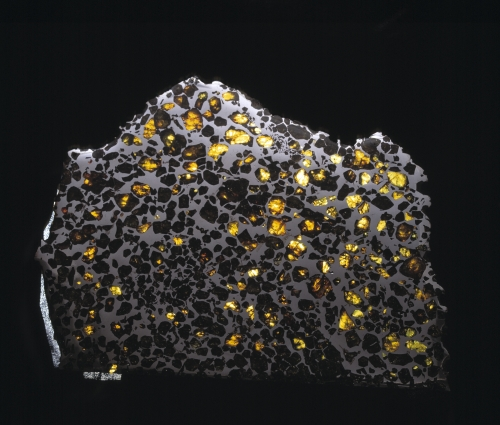 The picture shows a sample from the meteorite collection of the Natural History Museum - enlarged view