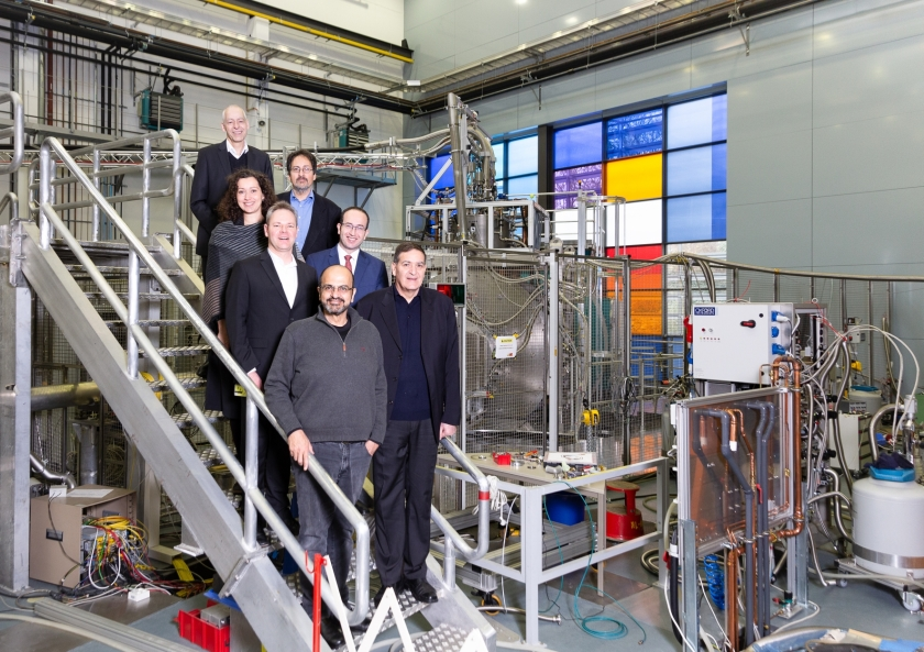 The delegation visits the neutron hall in Berlin-Wannsee.
