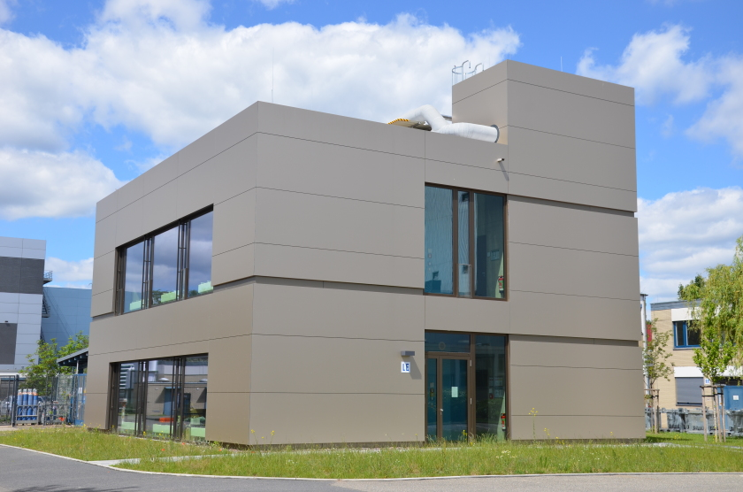 "This new laboratory building received the silver plaque ""Sustainable Building"" in April 2019."