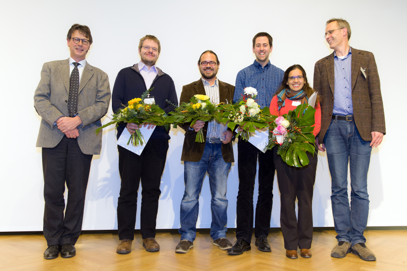 The OMNY Team at PSI/Swiss Light Source received the Innovation Award on Synchrotron Radiation 2014.