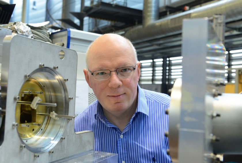 """Prof. Dr. Gerd Schneider becomes a full professur for x-ray microscopy at the Humboldt University Berlin and is the head of the HZB group """"Microscopy""""."""