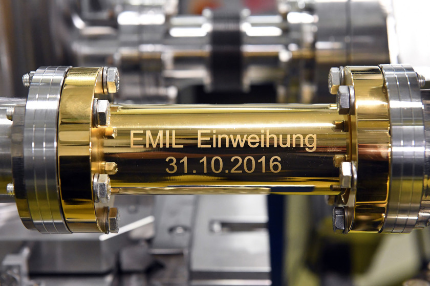 It's done: With the connection of the EMIL laboratory to the synchrotron light from BESSY II, researchers have access to a huge selection of characterisation methods. Photo: HZB/D. Ausserhofer