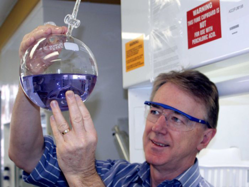 <strong></strong> Professor Doug MacFarlane in Monash University's Ionic Liquids laboratory, where research carried out includes artificial photosynthesis (Photo
