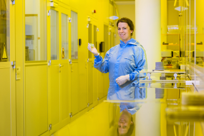Prof. Dr. Christiane Becker in the clean room at HZB campus side Berlin-Adlershof.