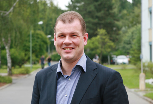 "Dr. Roel van de Krol is the scientific manager of the <br /> new institute ""Solar Fuels"" at HZB"