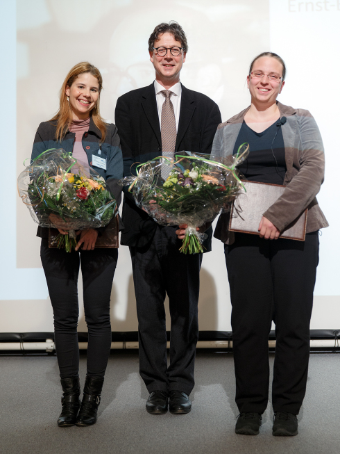 <p>Prize winners Dr. Karine dos Santos (left) and Dr. Katharina Diller together with Prof. Mathias Richter of the Friends of HZB. Picture: M. Setzpfand/HZB</p>