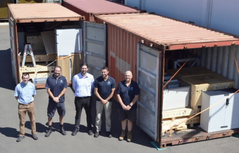 <p>The SPATZ team of ANSTO was glad about the arrival of the former HZB neutron instrument BioRef. It will be set up until 2018 in Australia. photo: ANSTO.</p>