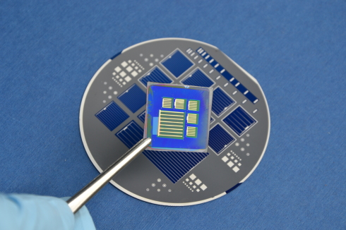 <p>Scientists at HZB are exploring the potential of metal organic perovskites for solar cells. Here a tandem solarcell is shown that combines perovskite with silicon. Credit: HZB</p>