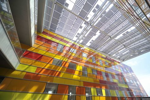 <p>Semi transparent PV-elements in the train station in Perpignan, France. Credit: CC 3.0/Issolsa</p>