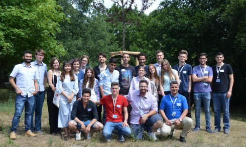 <p>21 students from all over the world will work on their research projects during summer at HZB. Credit: S. Kodalle/HZB</p>