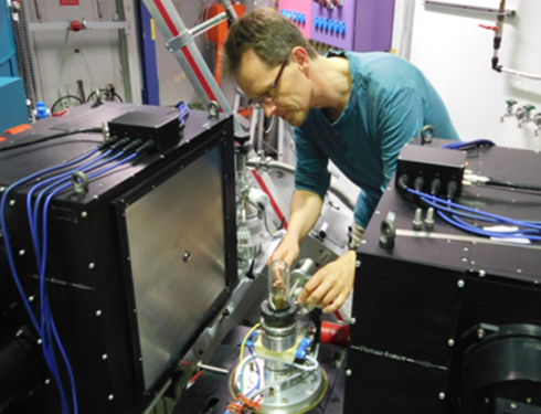 <p>Dr. Michael Tovar working at FALCON at the neutron Source BER II.</p>