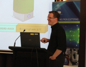 "Sebastian Gerischer beim Vortrag auf  dem ""7th International <br />Sample Environment Workshop"""