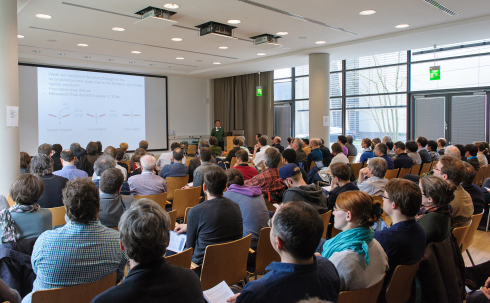 <p>180 scientists listened to the lectures. <span>The aim of the dialogue is to identify future scientific fields as well as expectations, needs and requirements</span> for BESSY II.</p>