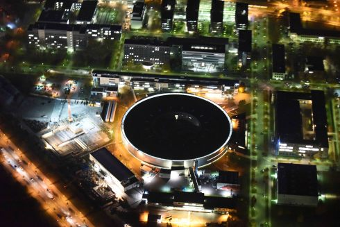 <p>With the upgrade BESSY VSR, Helmholtz-Zentrum Berlin will continue in future to offer a highly demanded synchrotron source for energy materials research with international appeal. Photo: ©: euroluftbild.de / Robert Grahn</p>