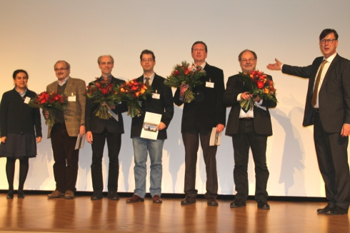 <p>The Innovation Award of Freundeskreis HZB was given to a team of DESY, Hamburg. Credit: HZB</p>